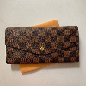 Louis Vuitton wallet damier ebene